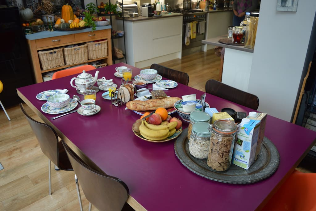 Continental breakfast: fruit juice, fresh bread, toast, a selection of preserves, yogurt, fruit and cereals with your choice of dairy, soya or oat milk