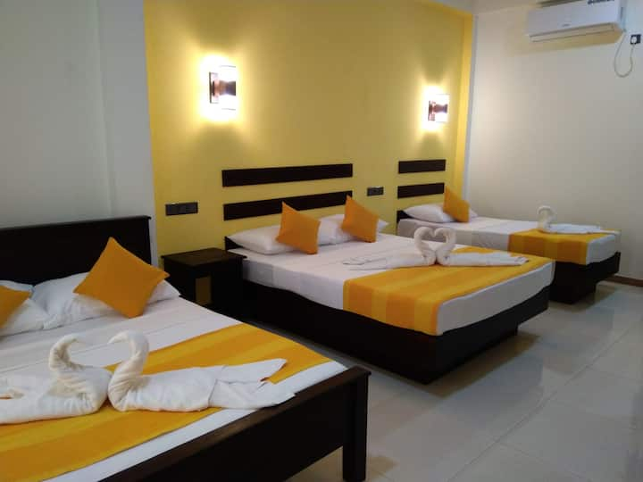 Amron Resort sigiriya Deluxe 5 Pax Room
