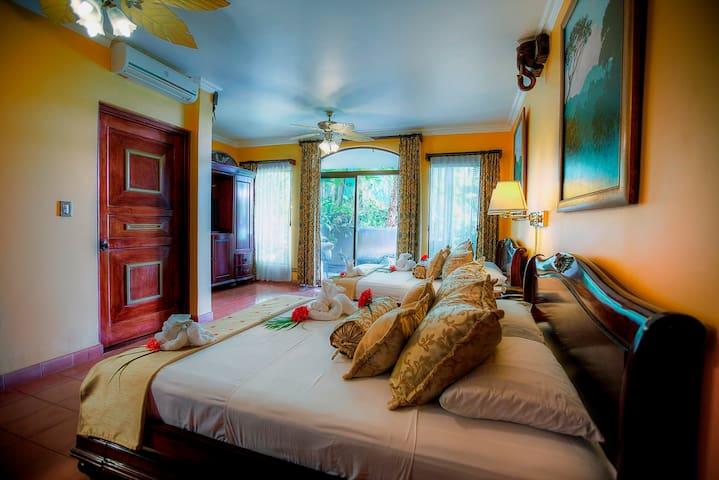 Deluxe Room ( 2 Double Bed)