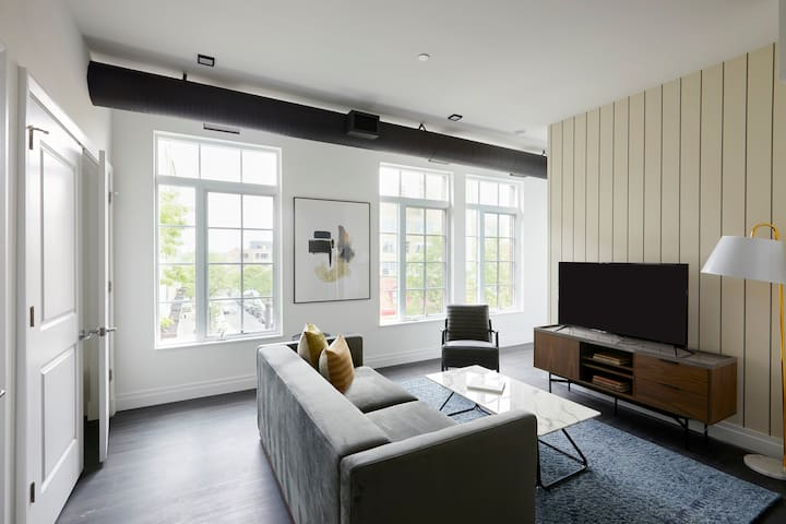 Sonder | The Lamont | Cozy 2BR + Rooftop
