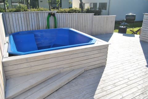 Beautiful home with private Hot tub in Hveragerði