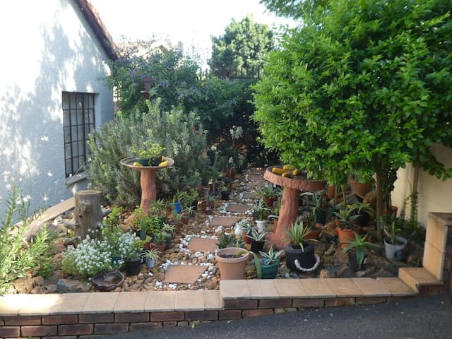 3 bedroom Home in Edenvale near OR Tambo Free WiFi