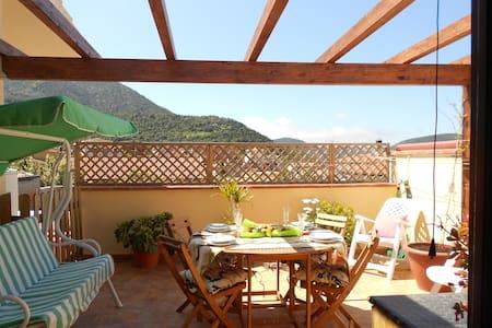 Raffinato appartamento con terrazza panoramica - Teulada