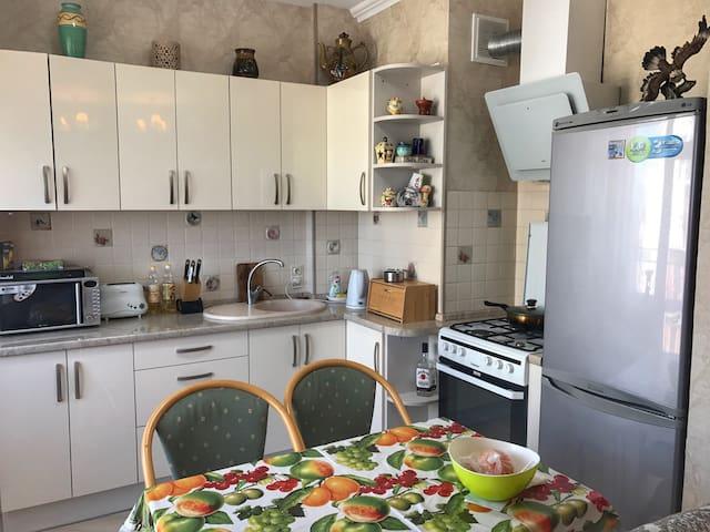 Комфортная квартира-студия - Пионерский - Wohnung