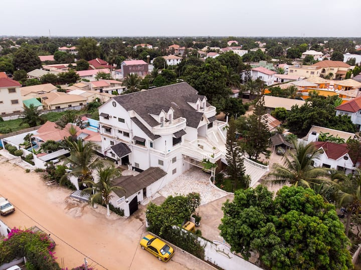 #6 Princess apartments 230 mt to senegambia strip