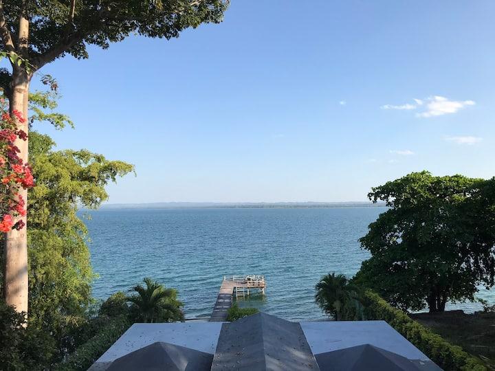 Waterfront Villa #2, Lago Peten Itza