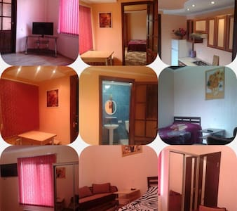 Комнаты у Моря - Odesa - Ház