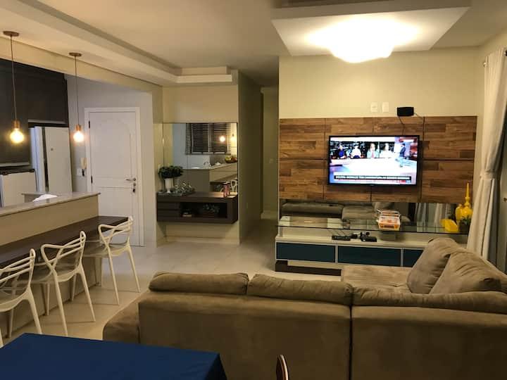 Cobertura ampla e confortável em Laguna SC.