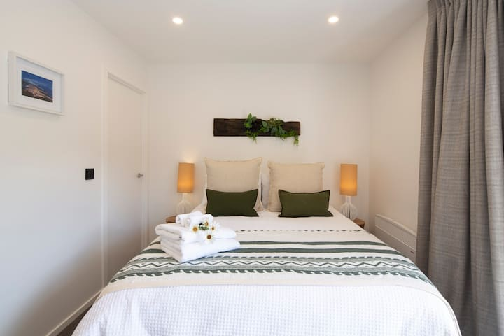 Brand new top spec comfortable beds with luxurious bedding including premium sheets and fluffy towels and a seperate bathroom.  We'd love to invite you to stay here this winter. Book your stay with us today