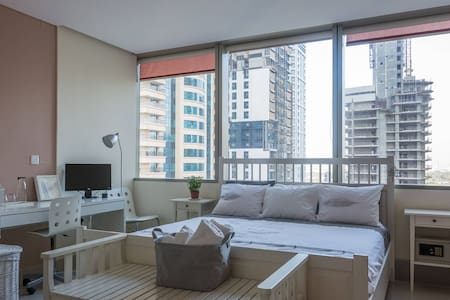High-rise Private Room in Dubai Marina