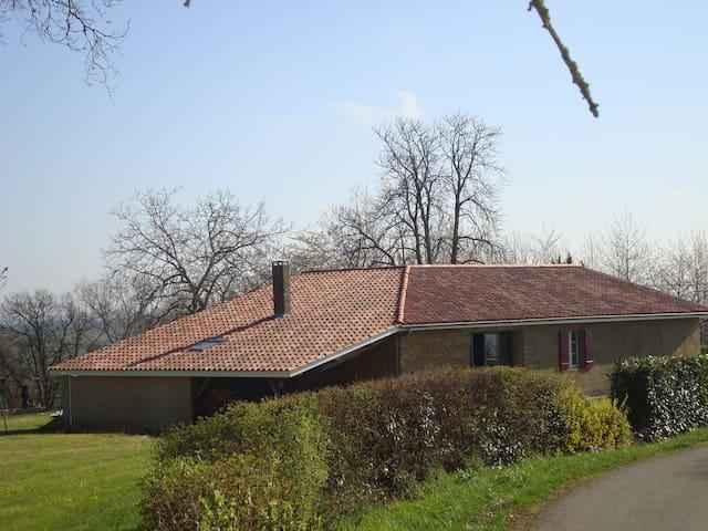 Loumbardin face aux Pyréenéés - Pouydraguin - Ház