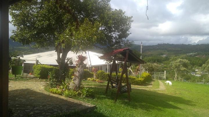 Villa Adriana - casa  campestre  en Pavas