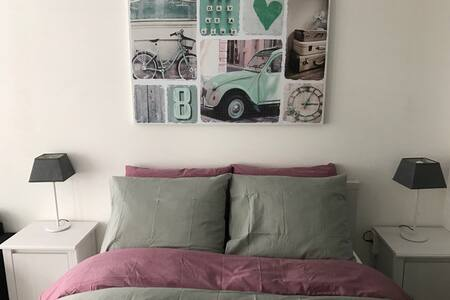 Completely renovated beautiful small studio - Haarlem - Bed & Breakfast