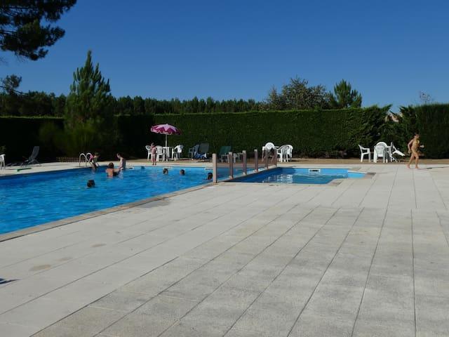 Maison dans résidence avec piscine proche océan