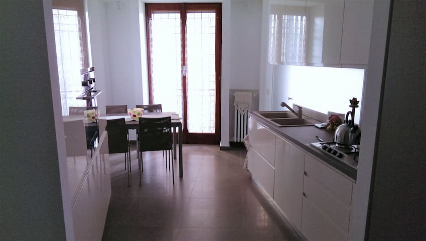 Stylish apartment 10' from dowtown - Milano - Apartment
