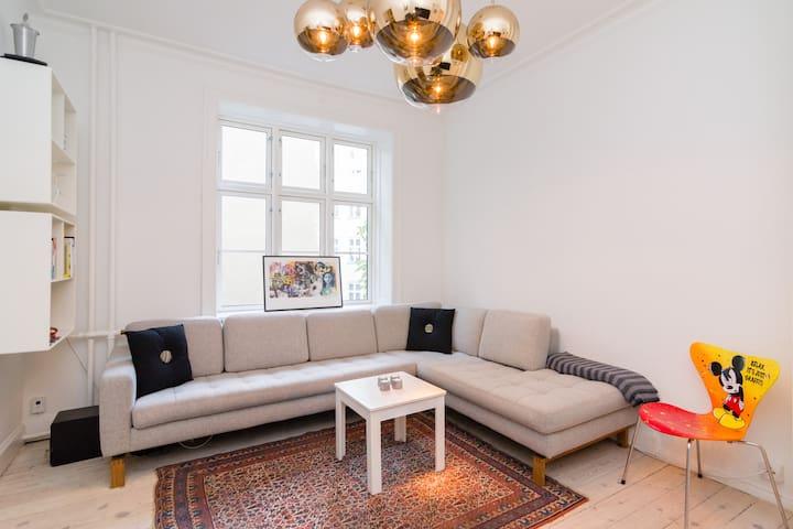 Heart of Copenhagen – 3Room Spacious Designer Apt - Kopenhag - Daire