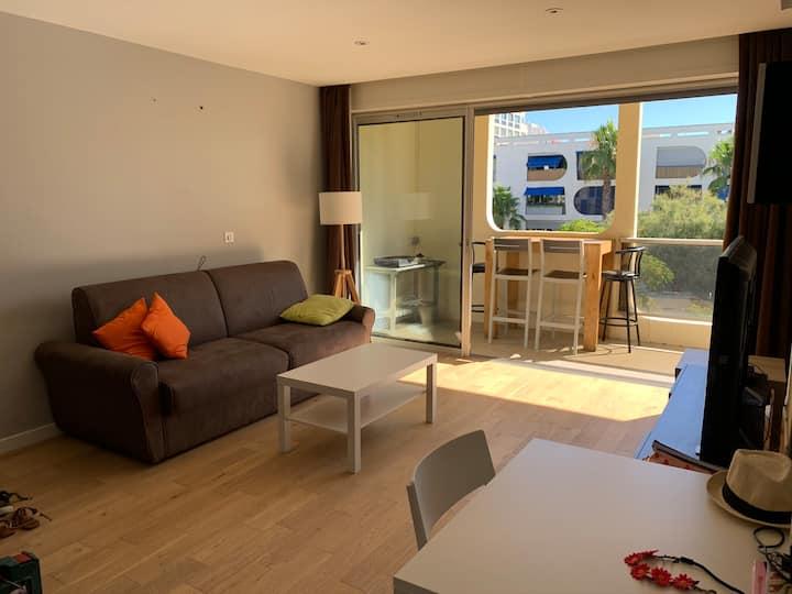 Bel appartement climatisé à 200 mètres de la mer