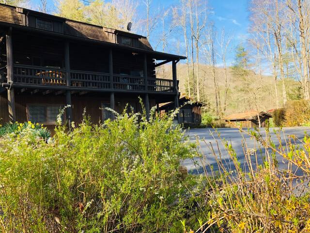 DuPont Forest Trailside Cabin
