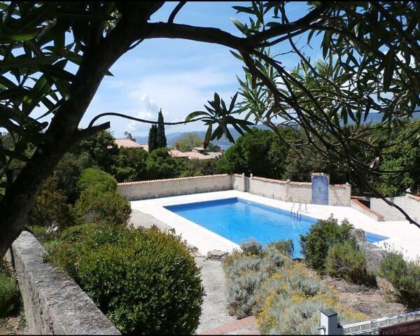 Logement 4 personnes dans résidence avec piscine