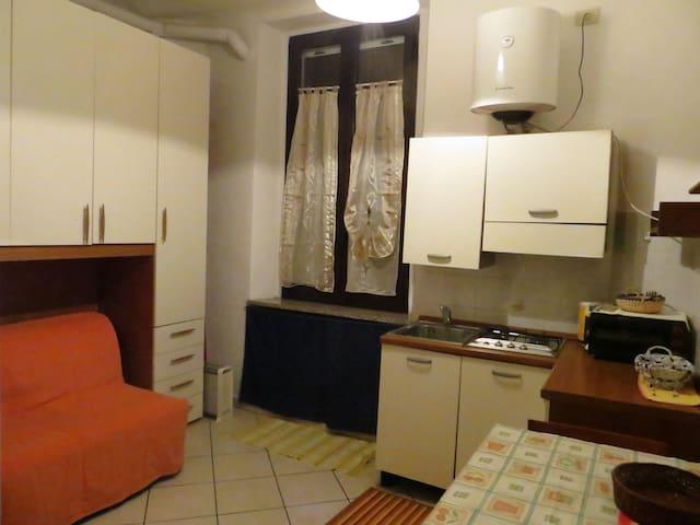 COMODO MONOLOCALE PORTA ROMANA