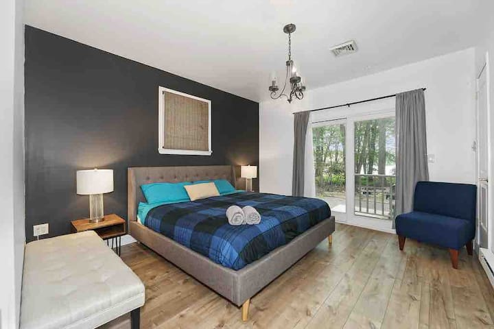 Snuggle up in this king sized bedroom