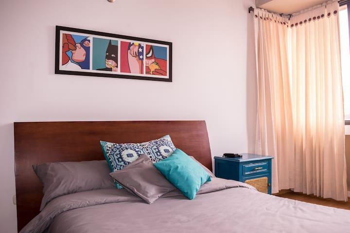 Private Rooms in duplex apt. - ONE MONTH MINIMUM - Armenia - House