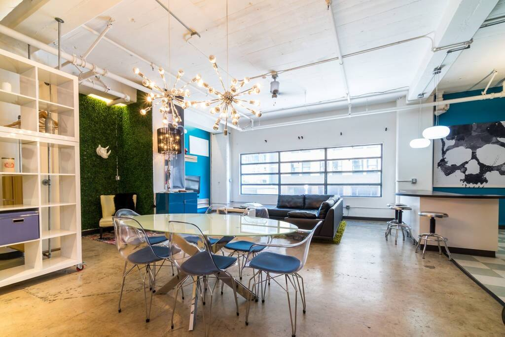 Huge modern gas lamp loft walk to comic con lofts for - Loft industriel san diego californie ...