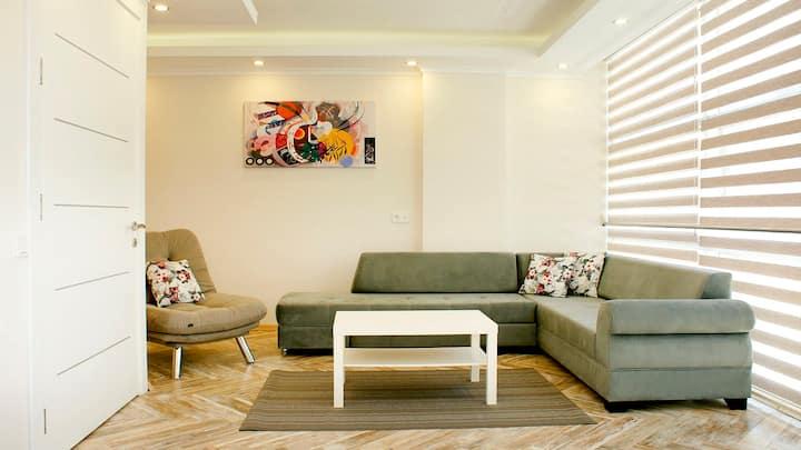 İzmir merkezde güvenli rezidans daire