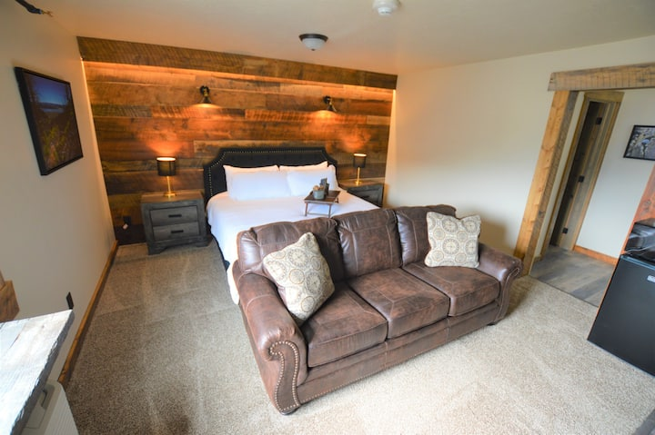 The Jack Creek King Suite