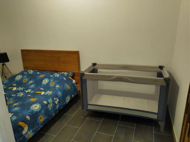 Top MONACO border apartment/frontière de MONACO
