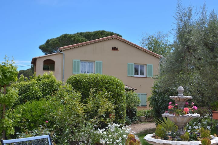 Nice 3 rooms, very quiet, 200 m from Garoupe beach - Antibes - Appartement