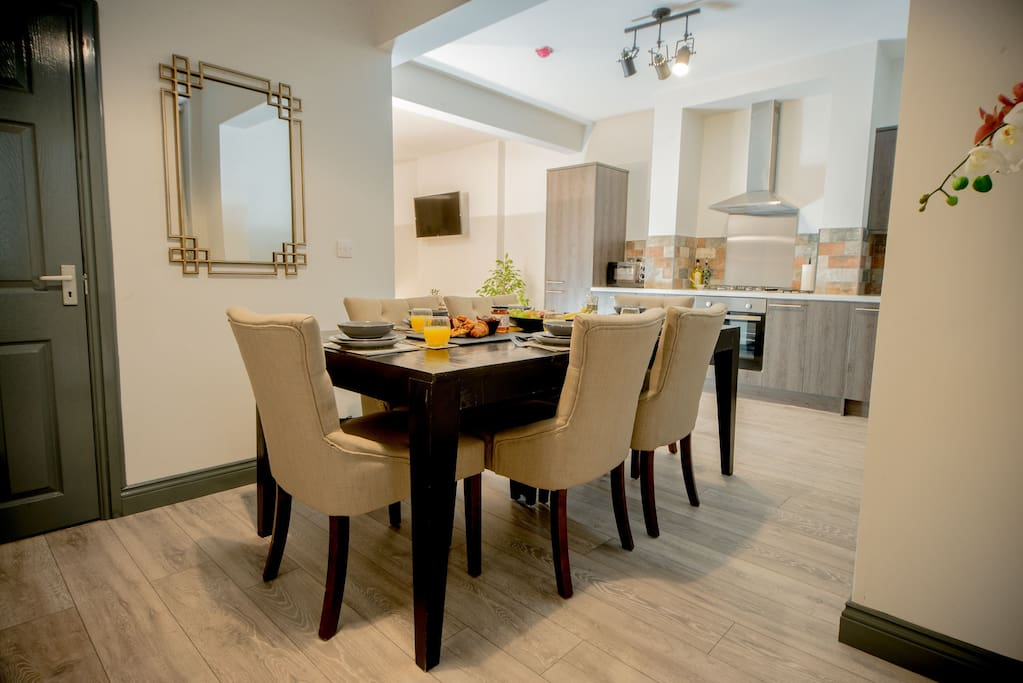 Sociable Dining area, cook and eat together
