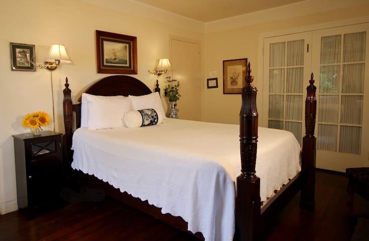Pacific View - The Bed & Breakfast Inn at La Jolla