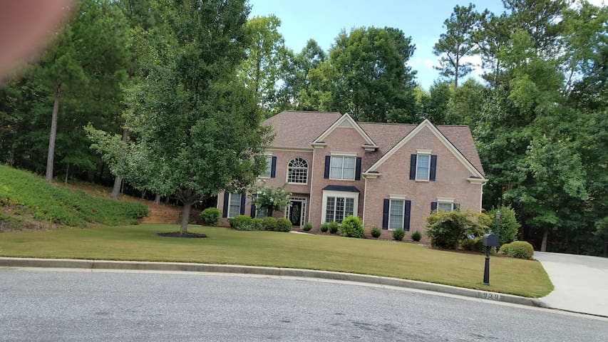 Beautiful Private Bedroom in Alpharetta- GA Area - Alpharetta