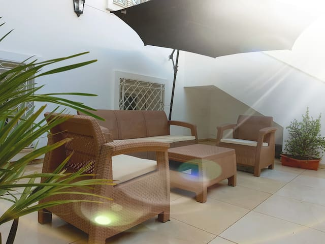 Charming room extremely well situated in La Marsa!