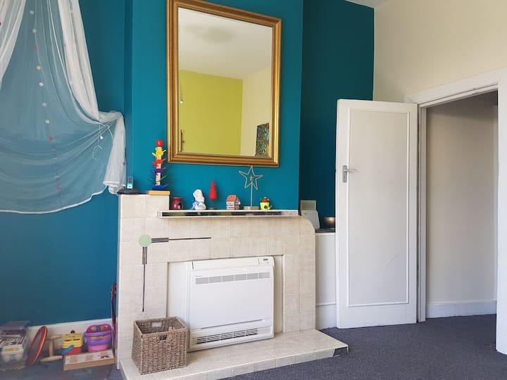 Private, central and quiet apartment | 6 mins CBD