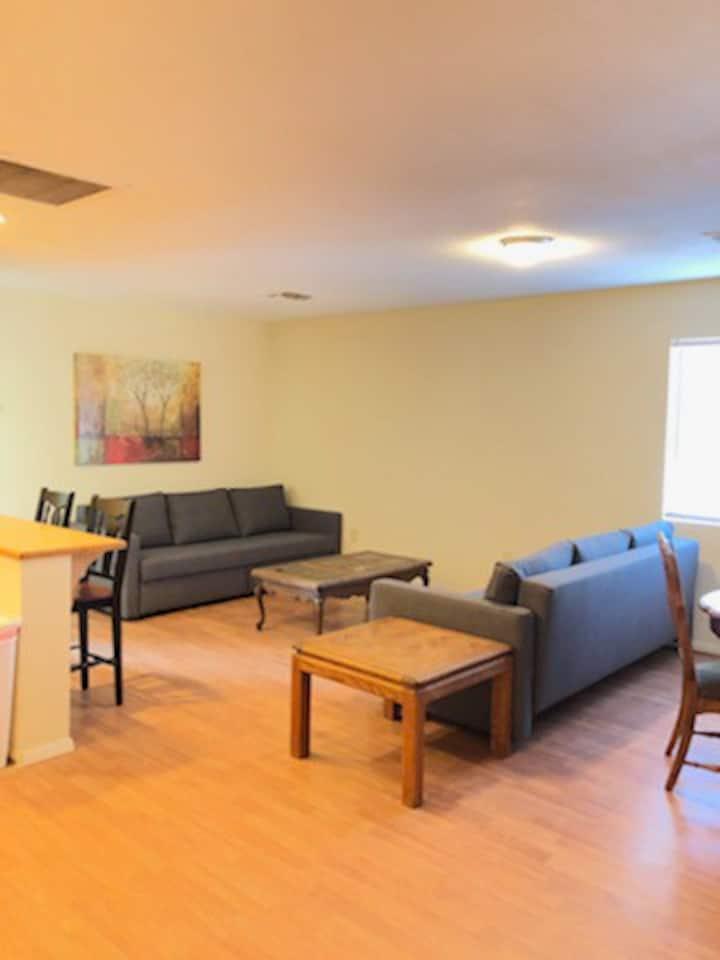 Cozy and Comfortable River Close Duplex Unit
