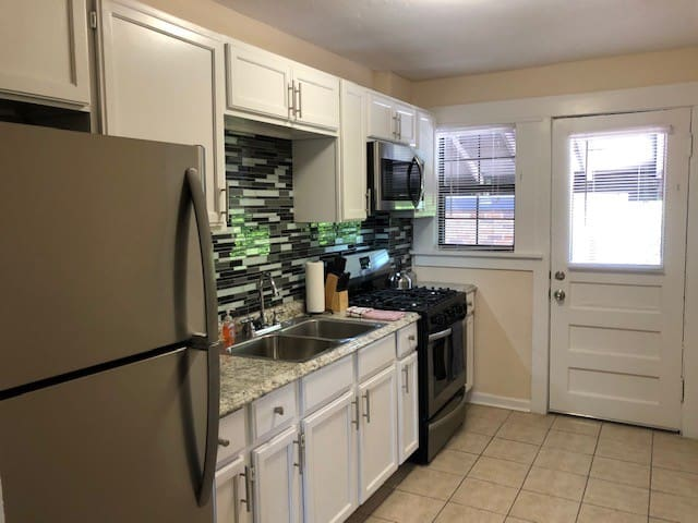 One Bedroom Flat-5 minutes to Downtown Ft Worth!