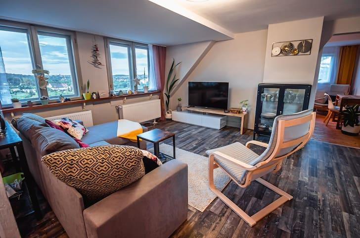 """Moderne Wohnung mit Mega Aussicht """"Zum Ifflblick"""""""