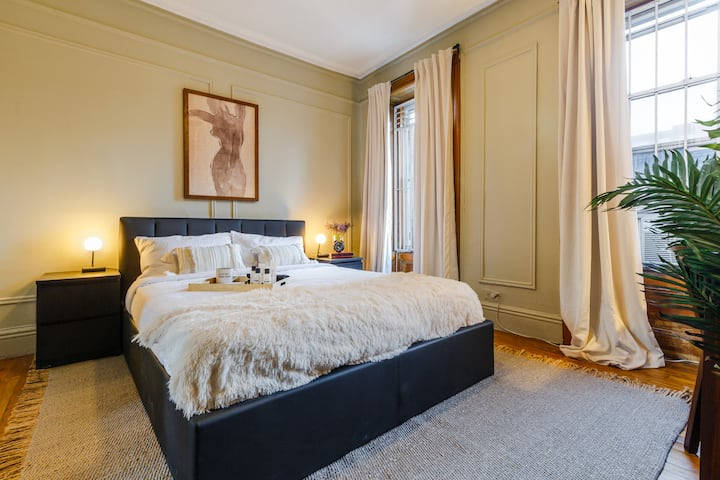Spacious Furnished Room in Upper East Side