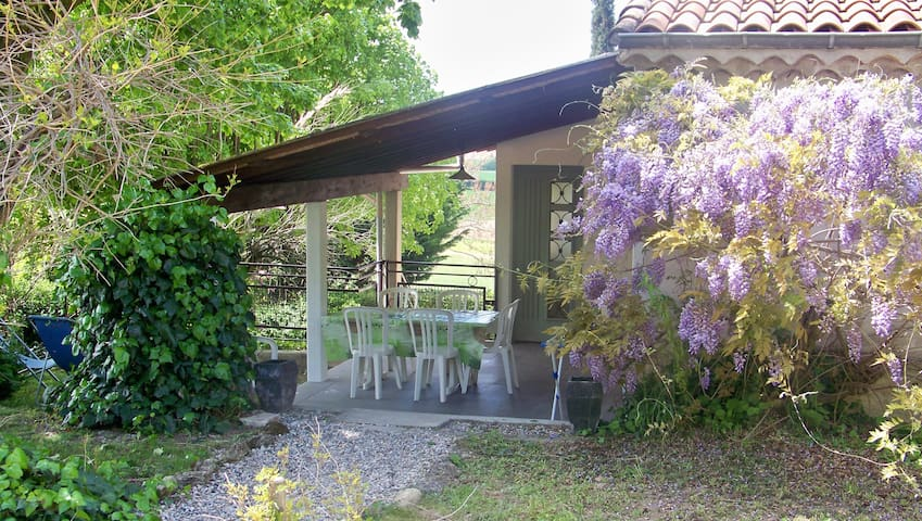 Domaine en pleine nature - gîte Glycine - Drôme - 公寓