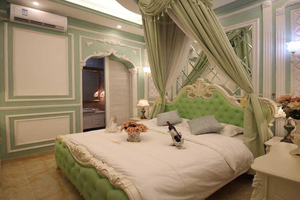一楼的大床房
