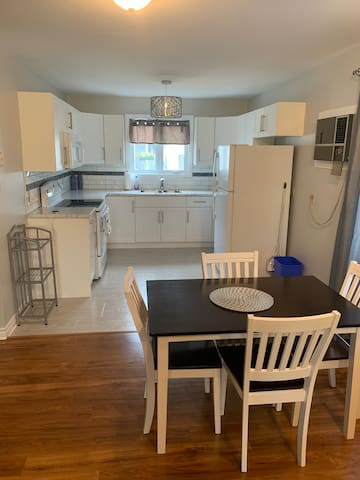 Bright And Spacious Condo 1 Bedroom Charlottetown