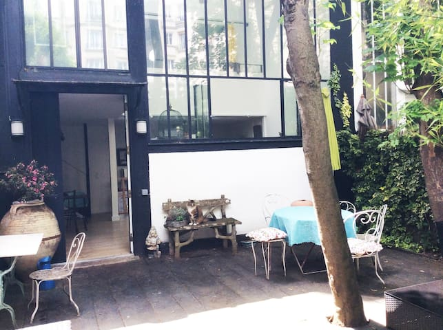 Loft artist studio sunny garden 3 levels Paris 14 - Paříž - Dům