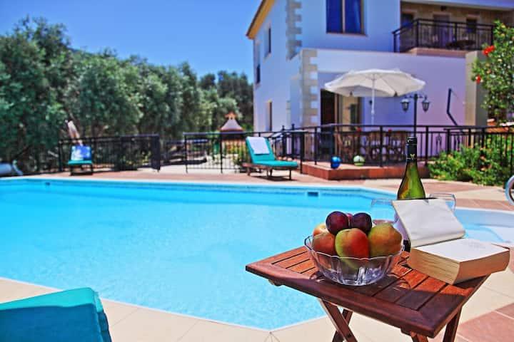 Marilena Sunset Ena: Private villa, pool, Seaviews