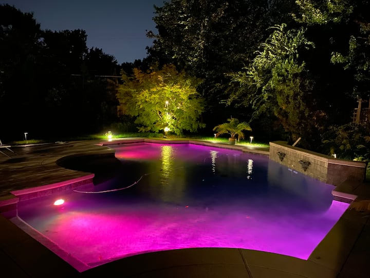 Historic Home-heated salt water pool open thru Dec