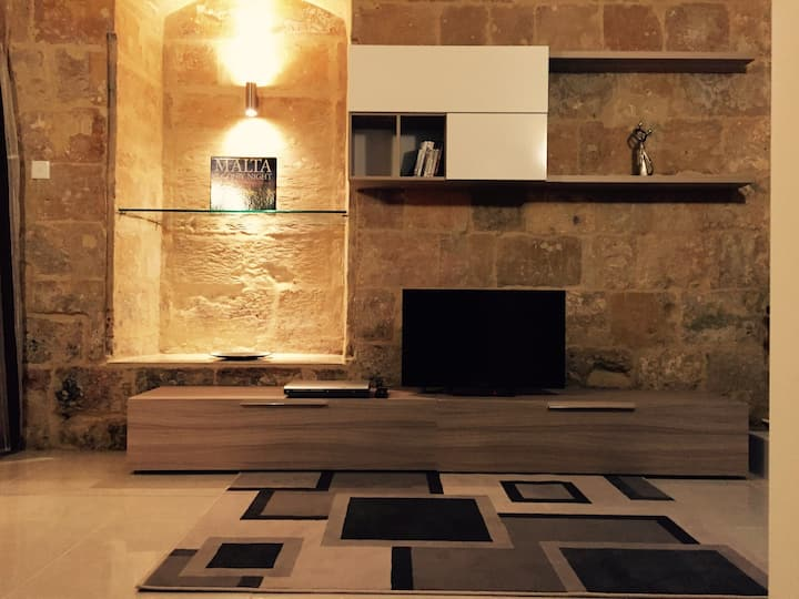 Renovated 16th Century House in Valletta