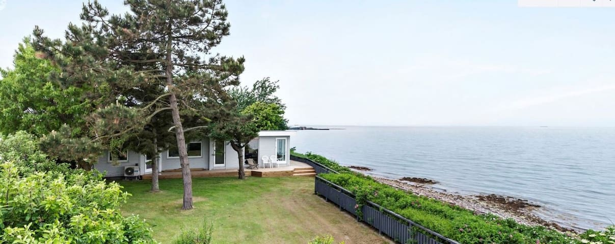 Villa Breidablik, Omø, just 15 metres to the sea