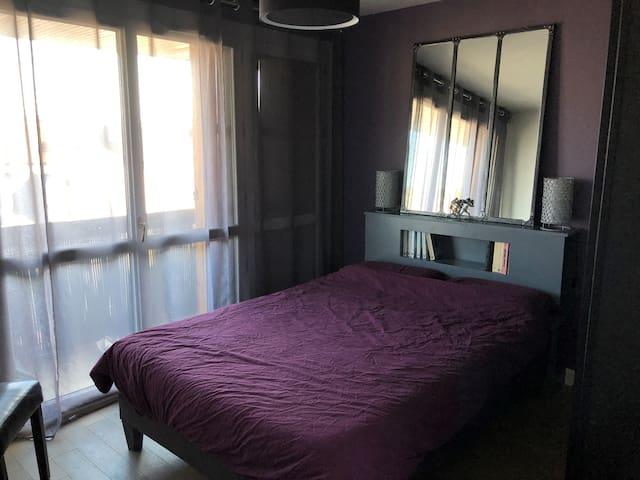 Chambre cosy pour deux proche Gare et Paris