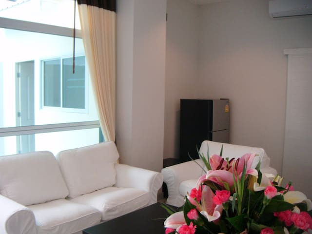 Great location with lovely atmosphere - Bangkok - Apartament